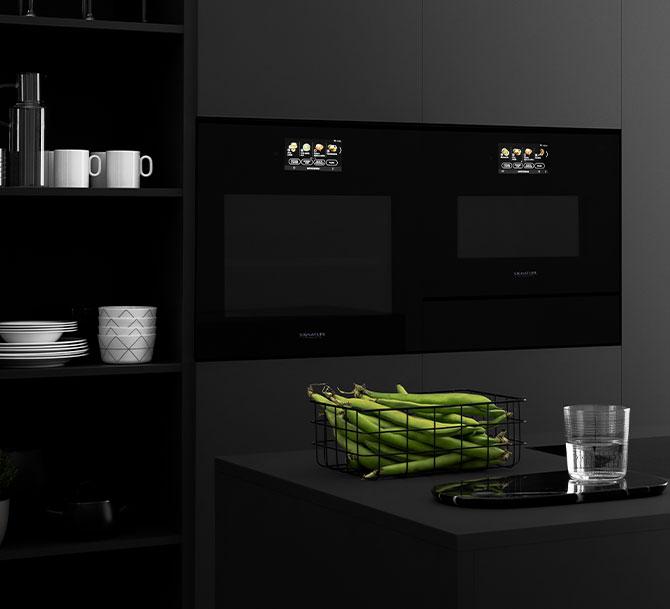 Il forno a vapore Signature Kitchen Suite con le sue tecnologie smart e allo steam cooker da incasso
