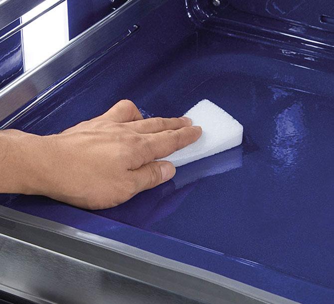 Il forno si pulisce da solo