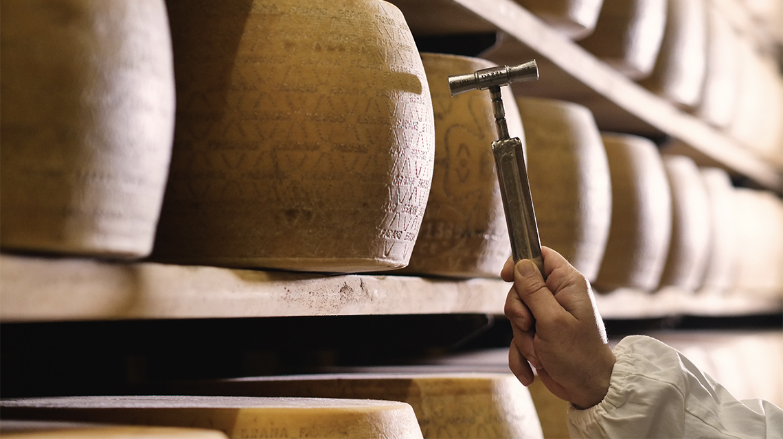 Come gustare il Parmigiano Reggiano